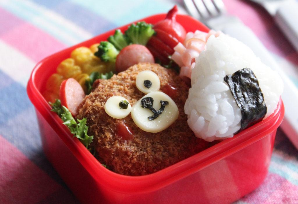 こにぎり&くまさんコロッケのキャラデコ弁-幼稚園年少さんのお弁当