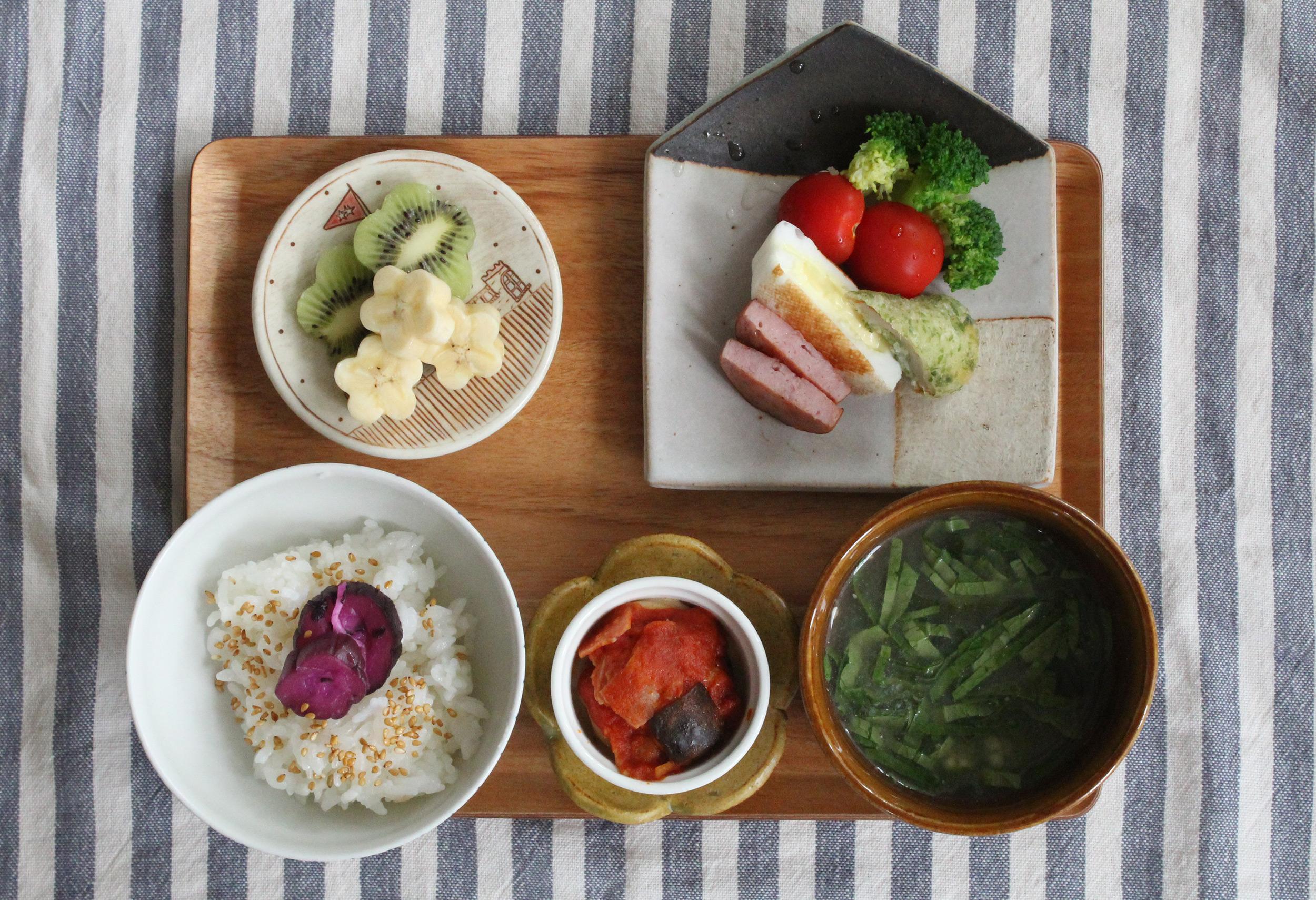 お弁当おかずの残りで和風おこさま定食-朝ごはんの献立と盛り付け