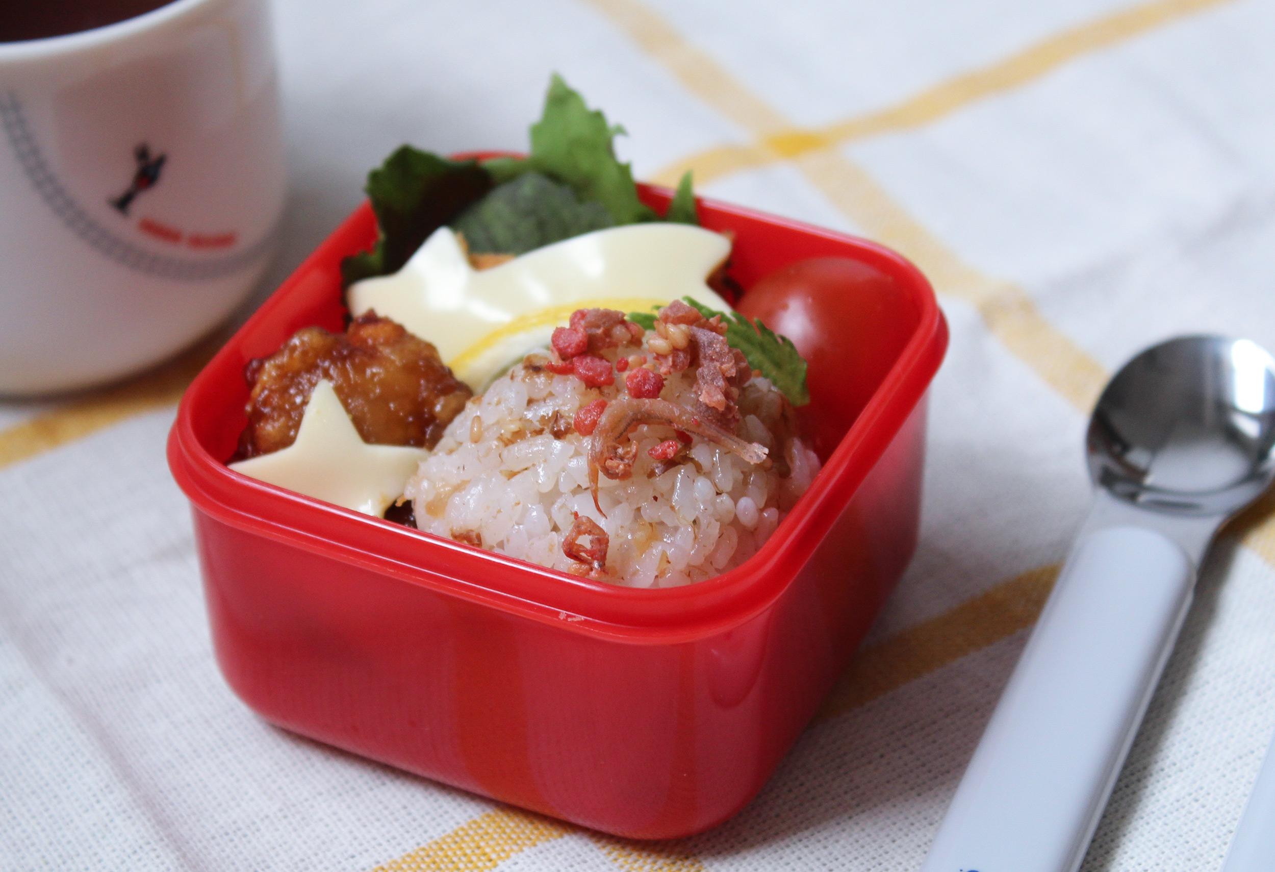 コロッケ&唐揚げと型抜きお星さまチーズ-幼稚園年少さんのお弁当