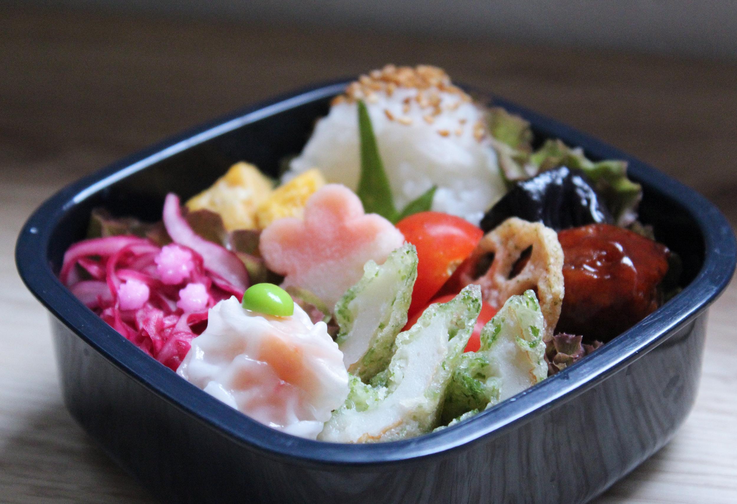 ちょっぴり中華なおこさま弁当 - お弁当の詰め方と盛り付けのコツ - 肉団子&海老シュウマイ。