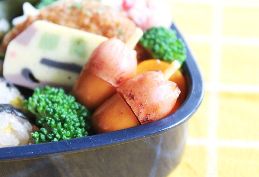 カラフルのりまき&可愛いどんぐり♡︎トミカな秋のお弁当