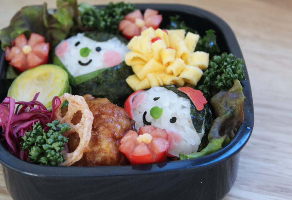 雛祭り弁当に「おひなさま」おにぎり - お弁当の詰め方と盛り付けのコツ - ピクニックにもおすすめ